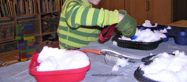 Indoor activity with kids during the winter: play with snow!