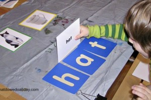 Easy Phonetic Reading Game Using Simple Words