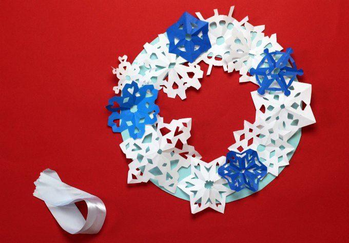 Position snowflakes on wreath