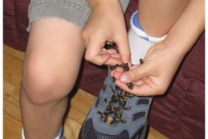 How do you teach your kids to tie shoelaces? Here's the bunny ears rhyme.