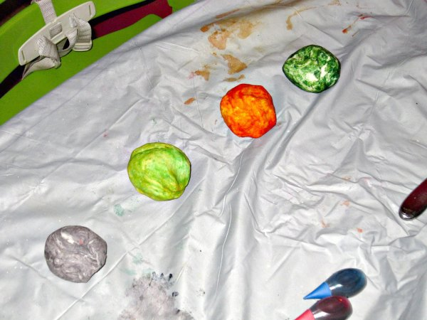 Play dough balls of color activity