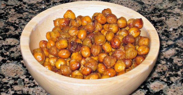 Roasted chickpeas recipe, a great snack for kids