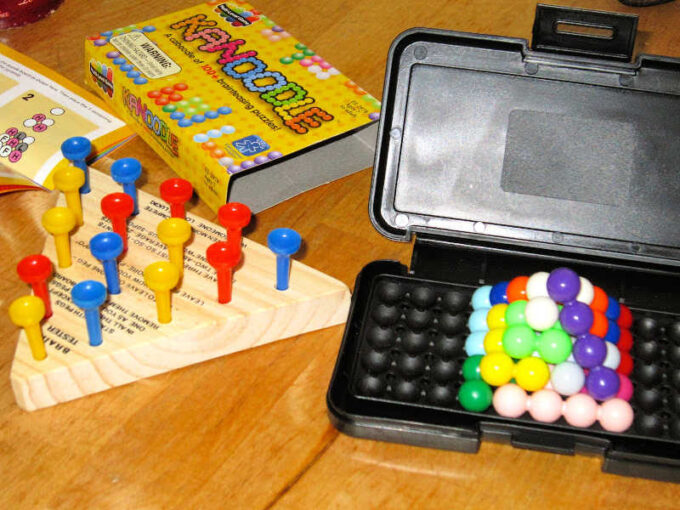 peg game and kaboodle game