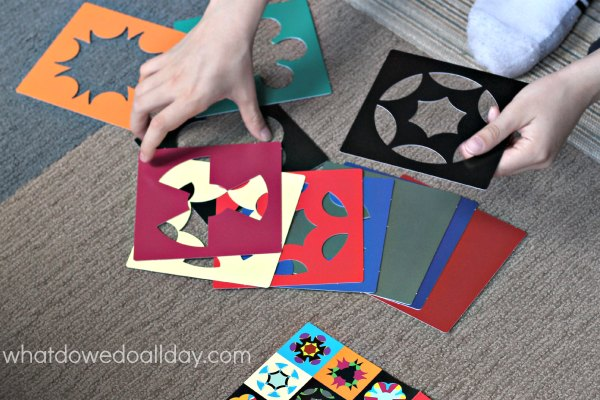 Kaleidograph design toy encourages creativity