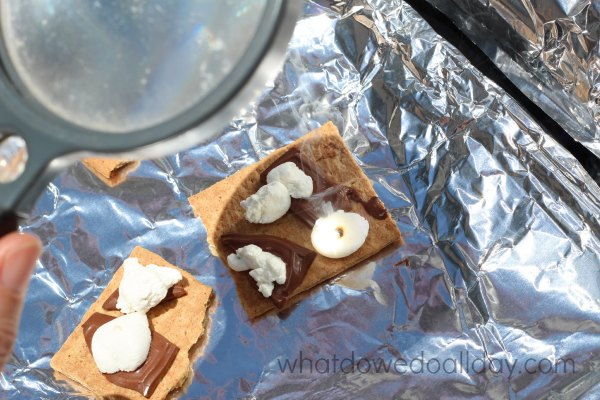 Make solar s'mores. Summer science activity with kids