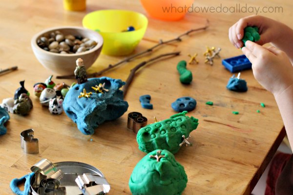 Fine motor play dough activities and idea.