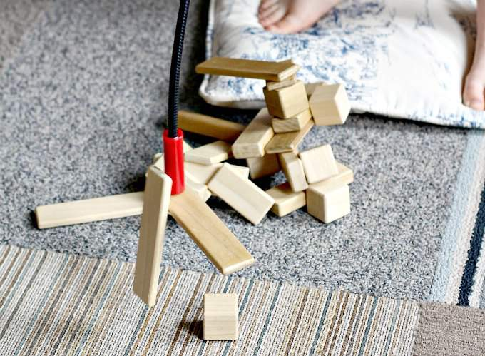 Magnetic blocks game is a fun boredom buster
