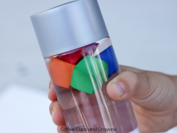 Sink or Float Science Discovery Bottle for Kids. Fantastic boredom buster.
