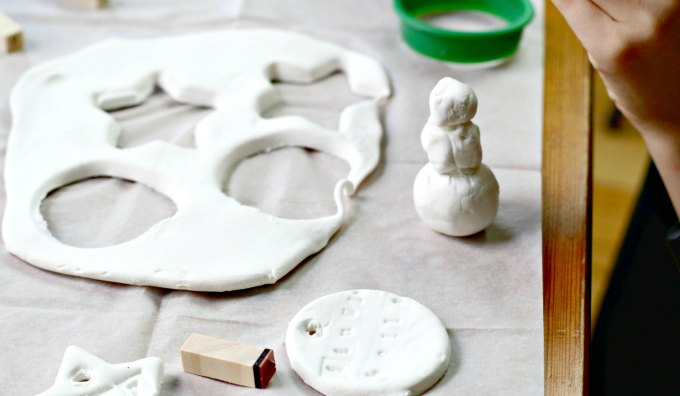 Make clay ornaments for the Christmas tree. Get craft for kids and tweens.