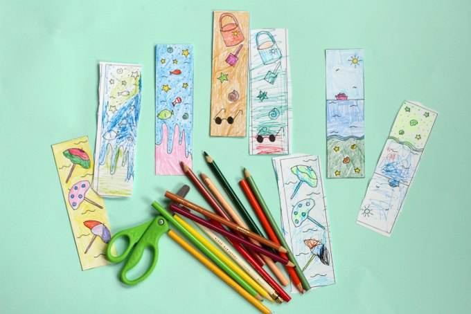 Free summer reading bookmarks to cut out and color.