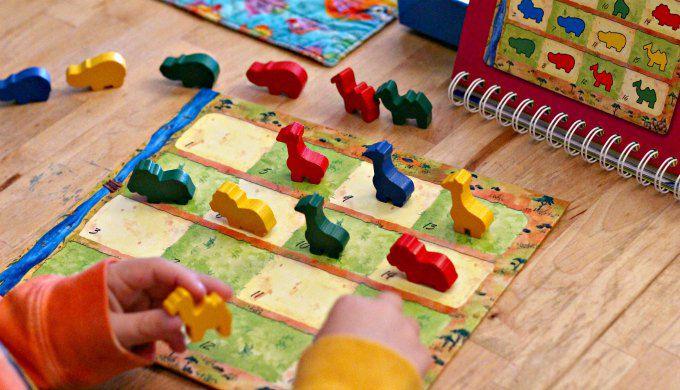Playing Animalogic game