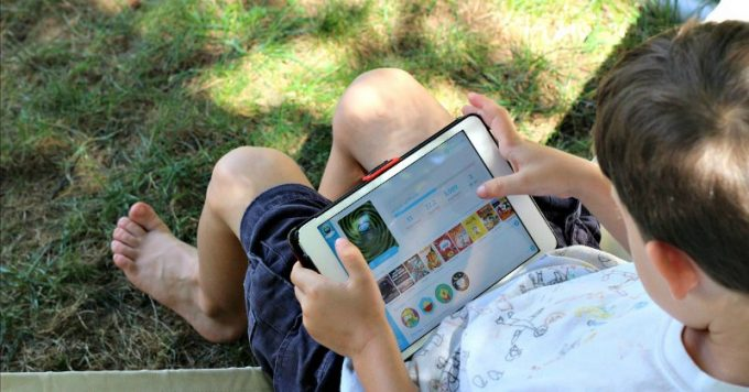 Reading books as a reason for limiting screen time