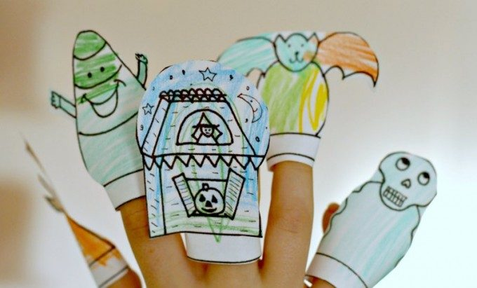 Pretend play idea for interactive finger puppets