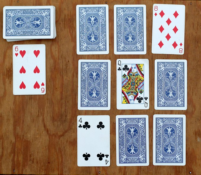 Opening layout of golf card game
