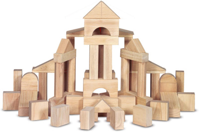 Plain unit blocks arranged in a castle shape